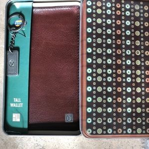 New - Fossil Tall Brown Leather Wallet